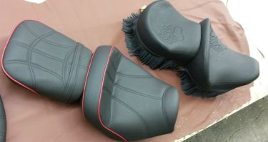 Motorradsitz-reparieren-leder